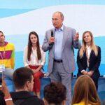 """Путин собрался """"пообщаться со студентами"""" без дубинок"""