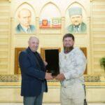 Палач Пригожин жив, фото с Кадыровым